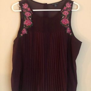 Maroon floral sleeveless top
